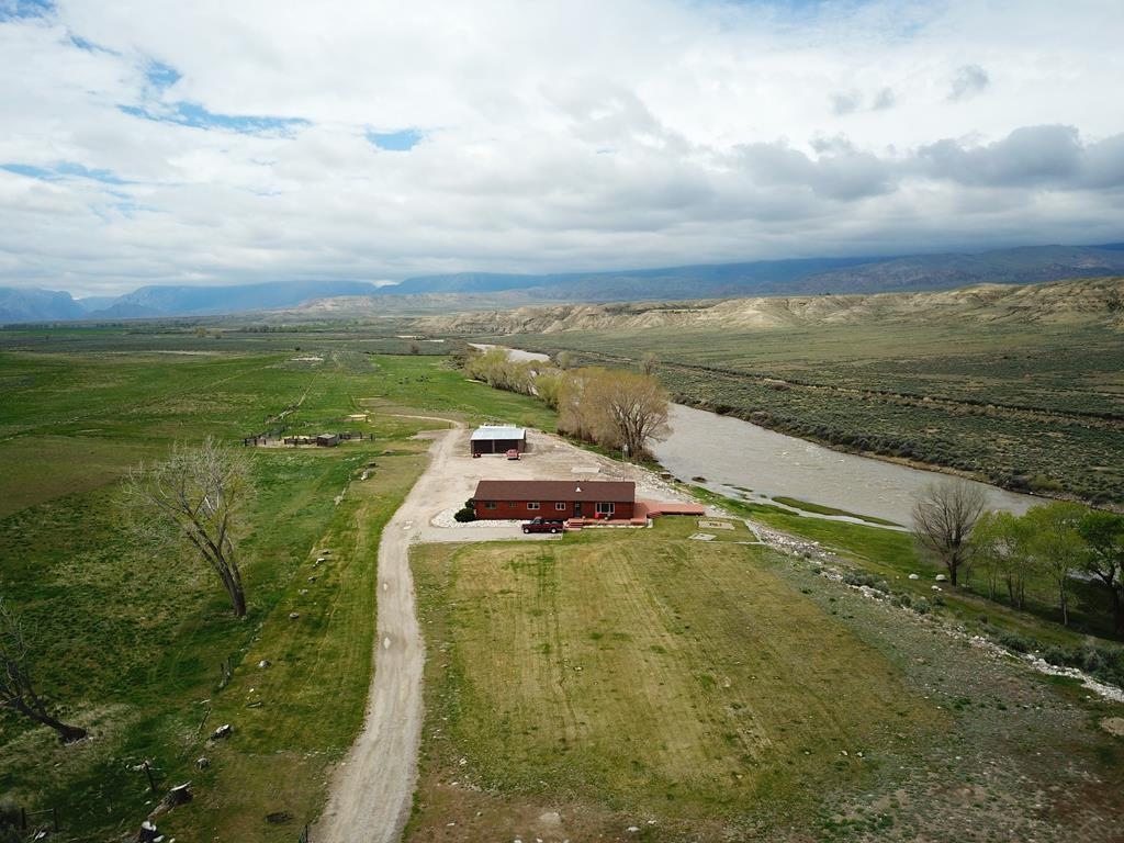 10015357 Clark, WY - Wyoming property for sale