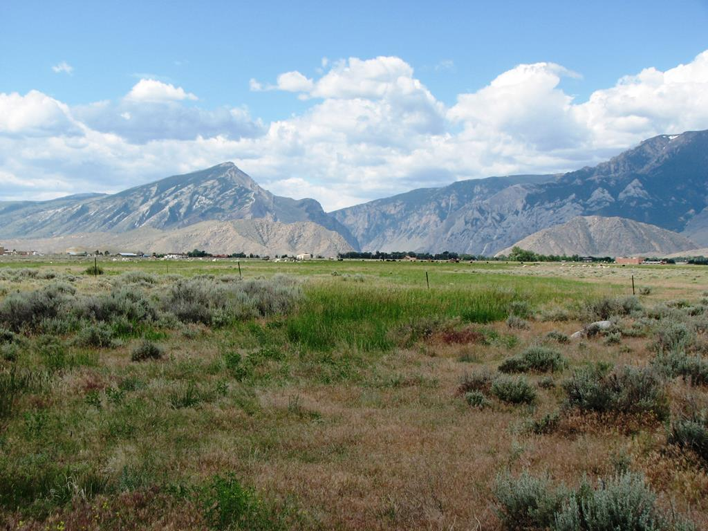 10015128 Clark, WY - Wyoming property for sale