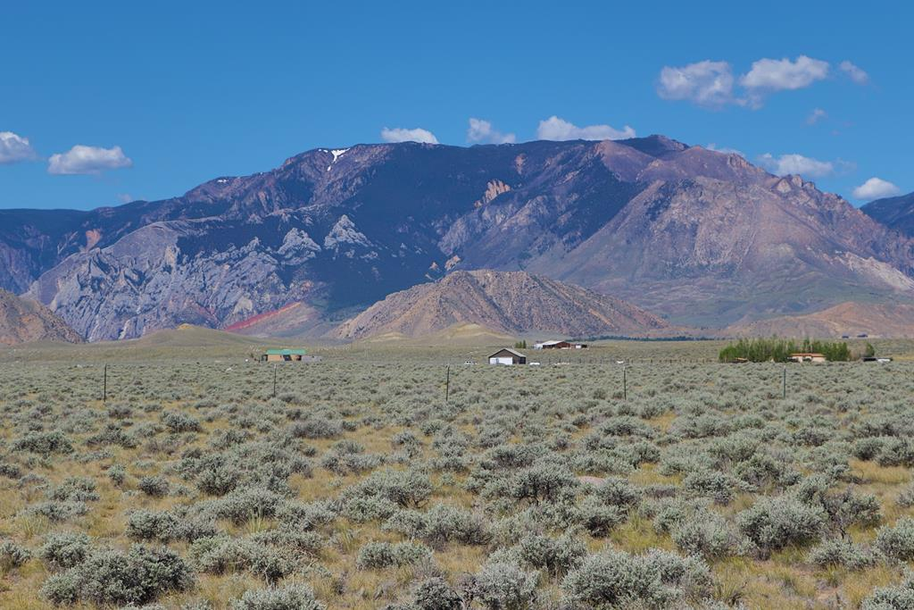 10015460 Clark, WY - Wyoming property for sale
