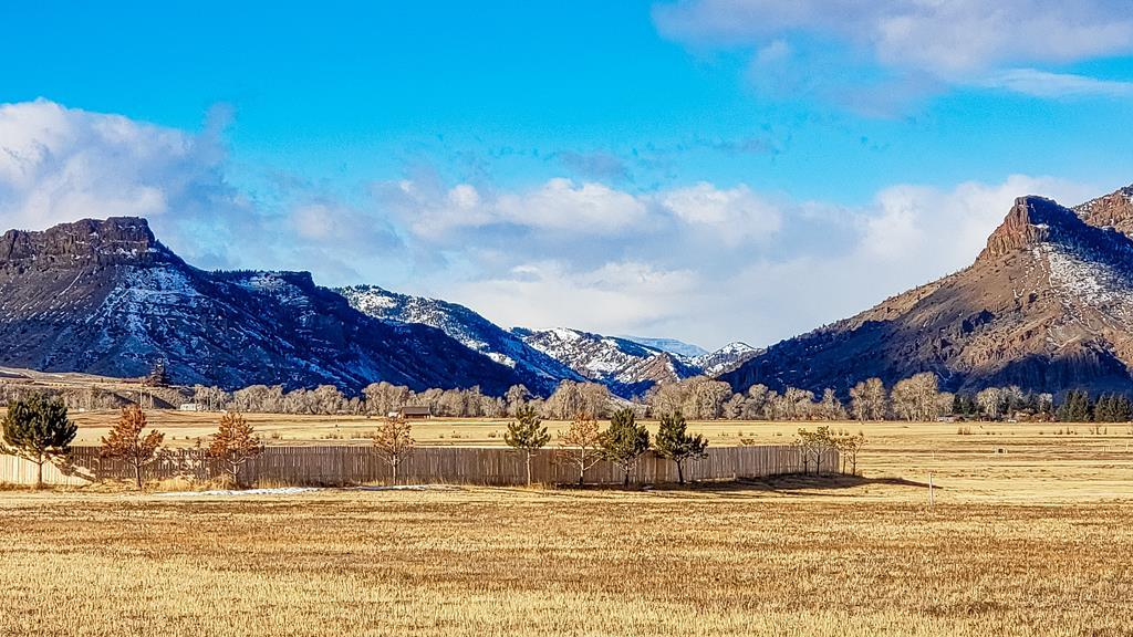 10015711 Wapiti, WY - Wyoming property for sale