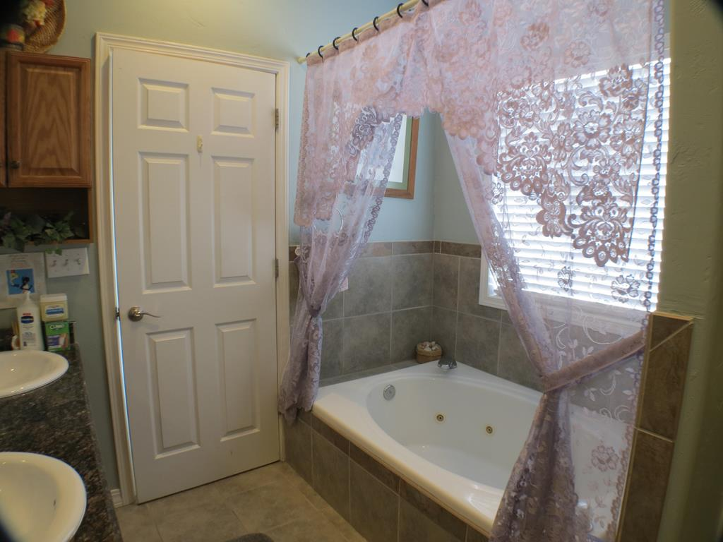 10014159 Powell, WY - Wyoming property for sale