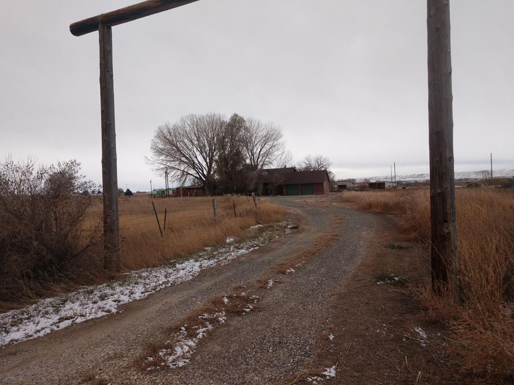 10015164 Powell, WY - Wyoming property for sale
