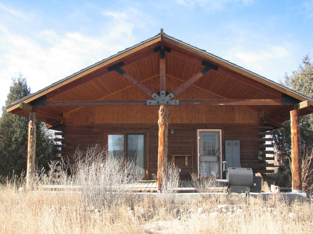 10015235 Powell, WY - Wyoming property for sale