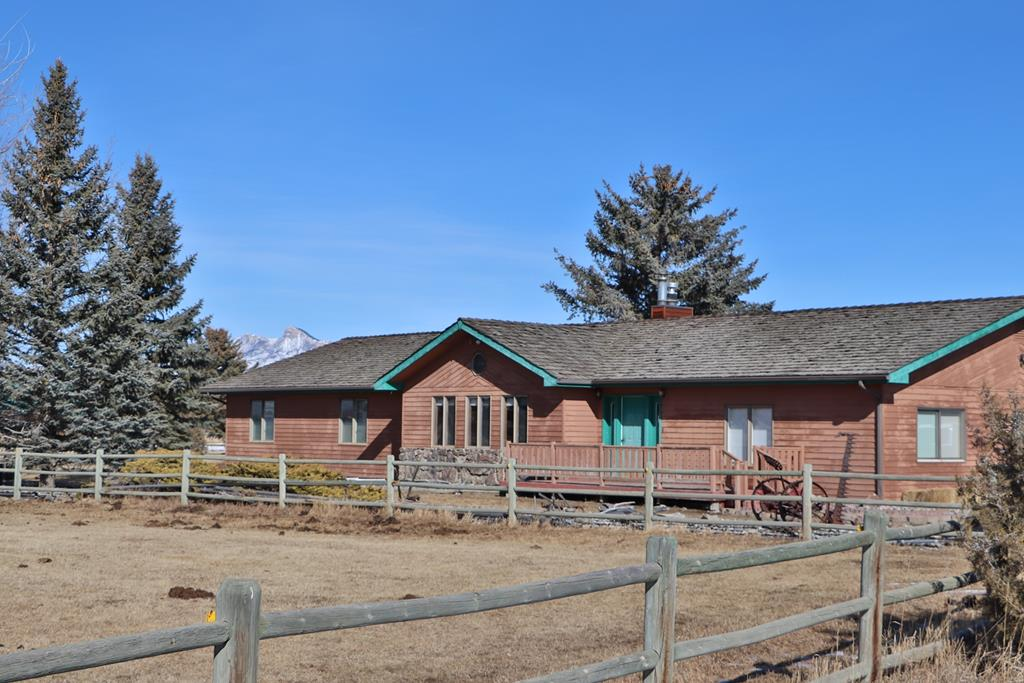 10015376 Cody, WY - Wyoming property for sale