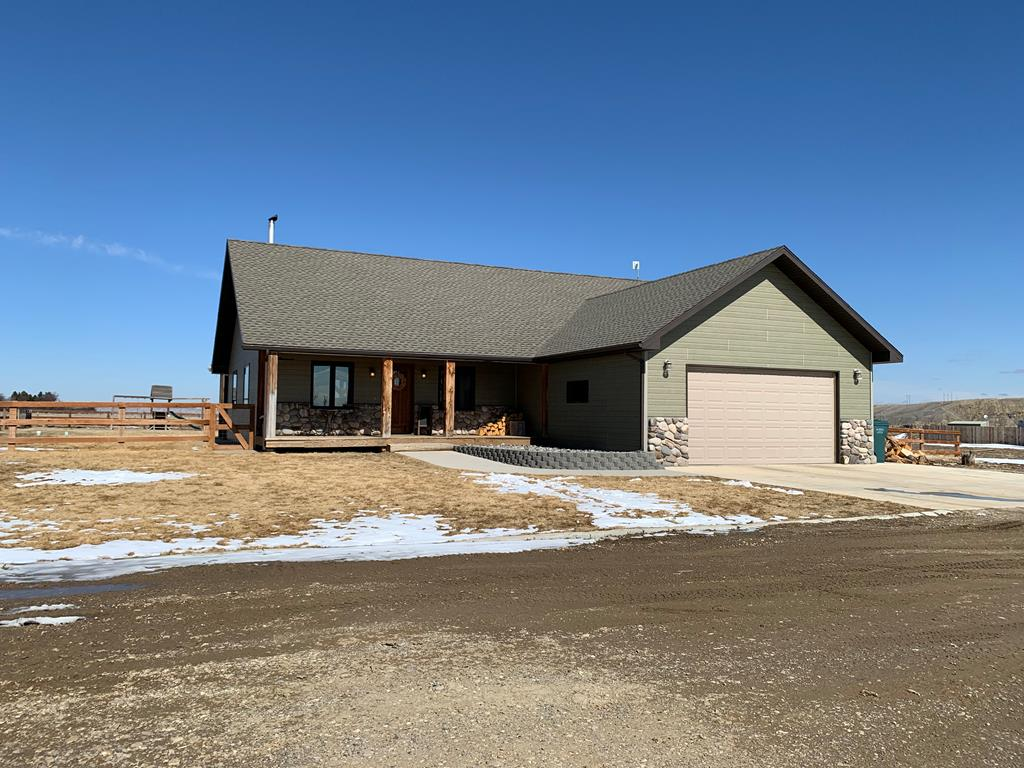10015389 Cody, WY - Wyoming property for sale
