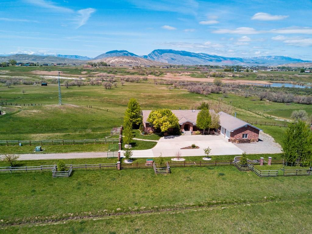 10015409 Cody, WY - Wyoming property for sale