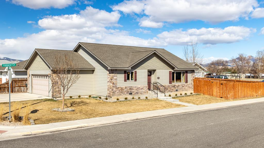10015435 Cody, WY - Wyoming property for sale