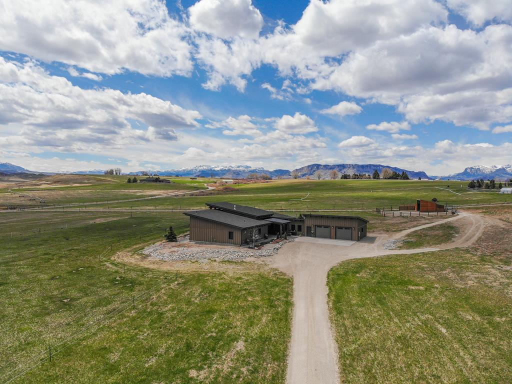10015582 Cody, WY - Wyoming property for sale