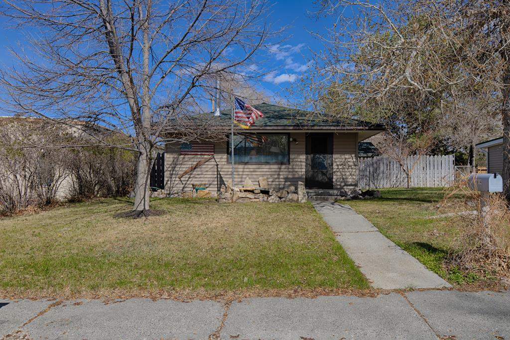 10015589 Cody, WY - Wyoming property for sale