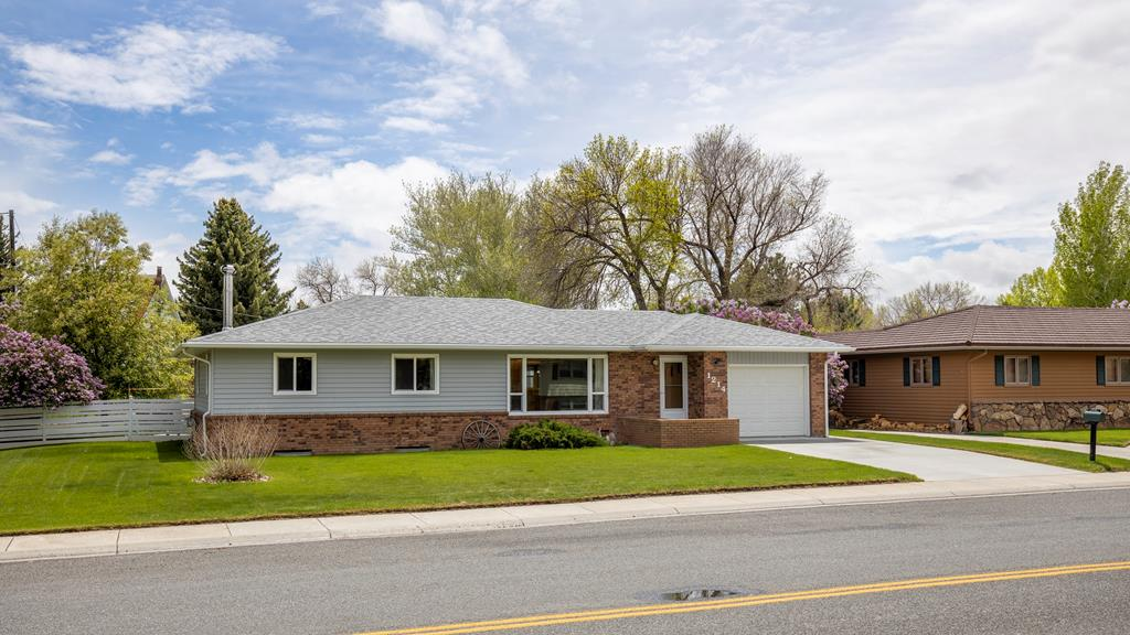 10015643 Cody, WY - Wyoming property for sale