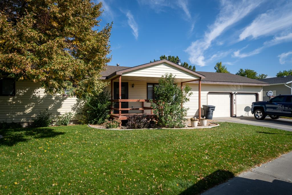 10016118 Powell, WY - Wyoming property for sale
