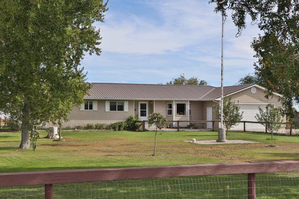 10016143 Powell, WY - Wyoming property for sale