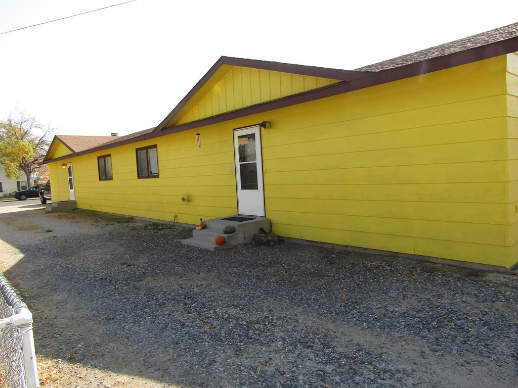 10016189 Powell, WY - Wyoming property for sale