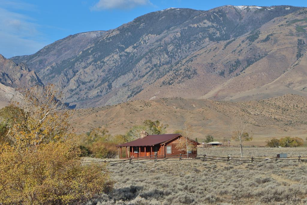 10016227 Clark, WY - Wyoming property for sale