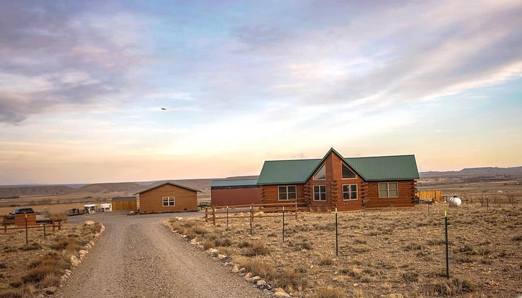 10016714 Clark, WY - Wyoming property for sale