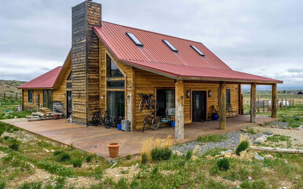 10016881 Clark, WY - Wyoming property for sale