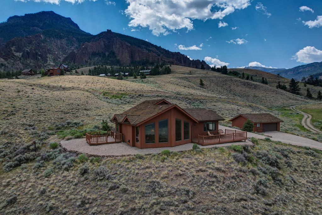 10017081 Wapiti, WY - Wyoming property for sale