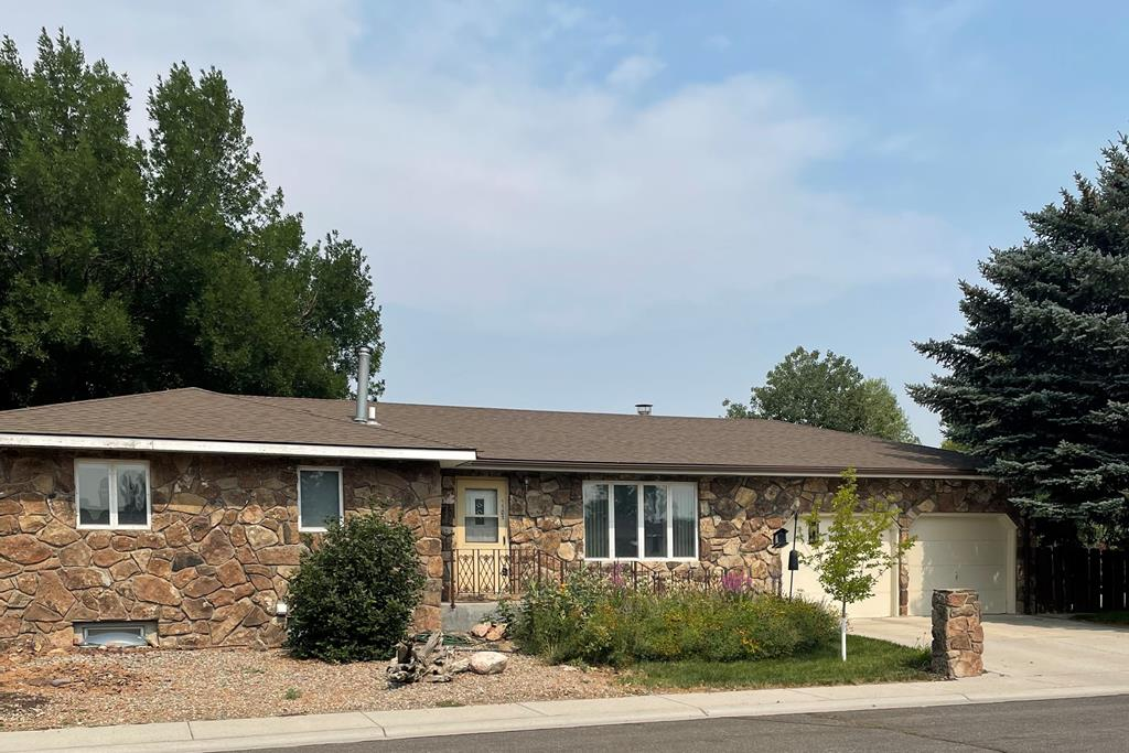 10017104 Powell, WY - Wyoming property for sale