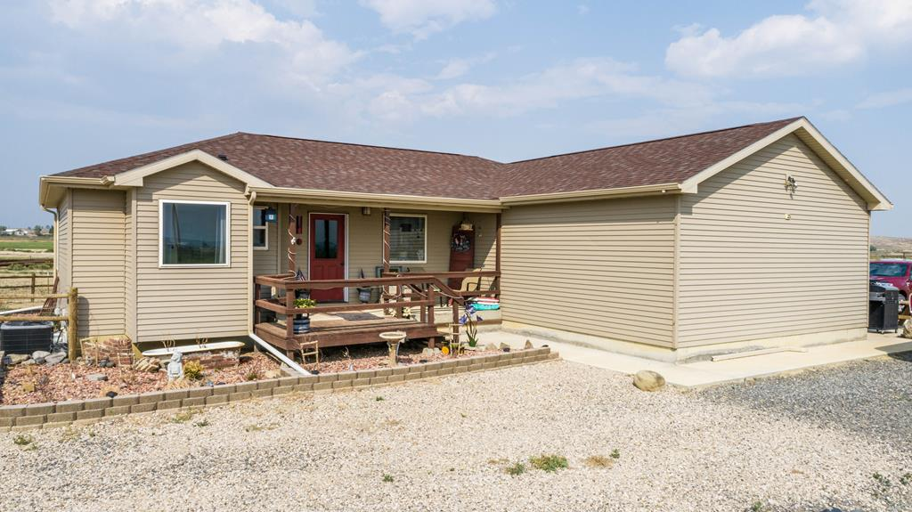 10017177 Powell, WY - Wyoming property for sale