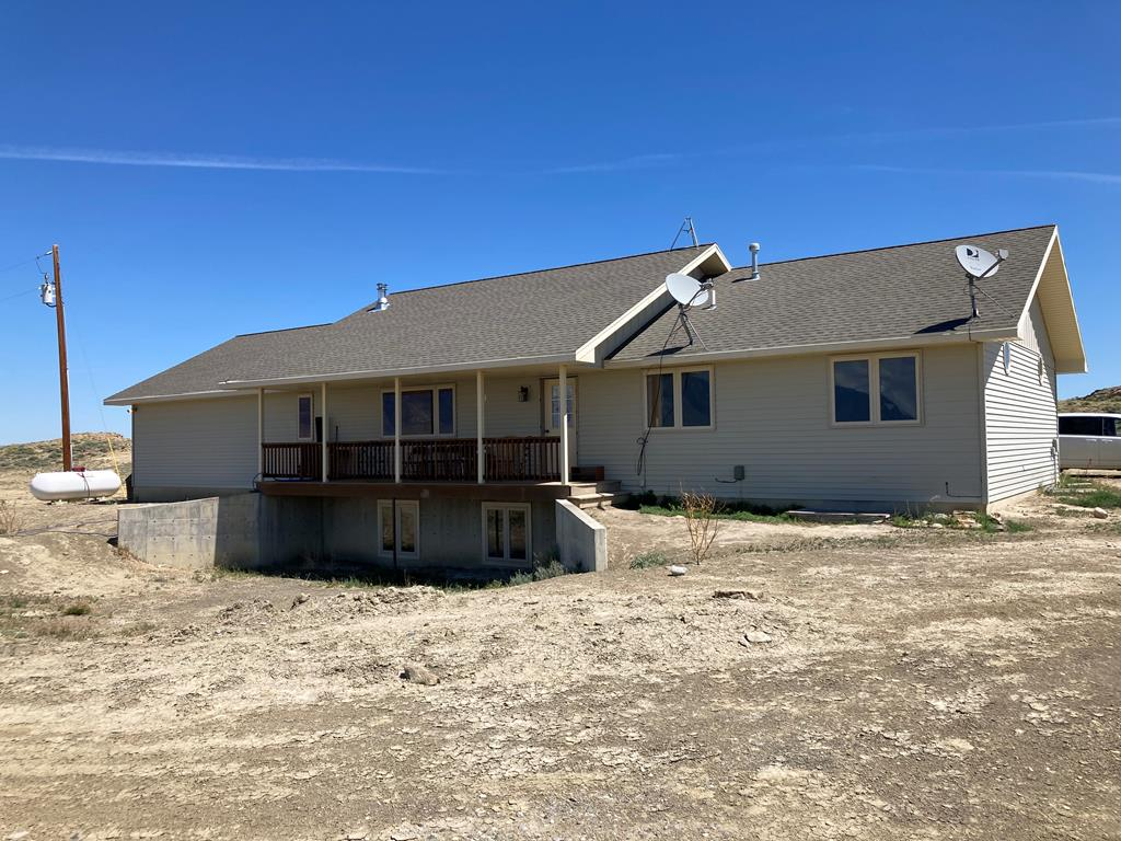 10017180 Clark, WY - Wyoming property for sale
