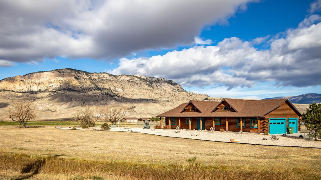 10017288 Cody, WY - Wyoming property for sale