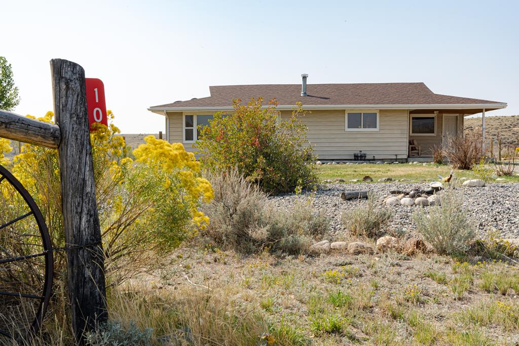 10017340 Cody, WY - Wyoming property for sale