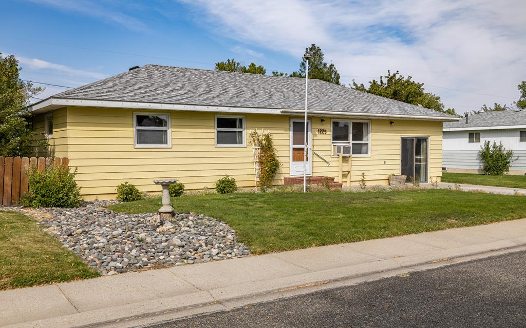 10017365 Cody, WY - Wyoming property for sale