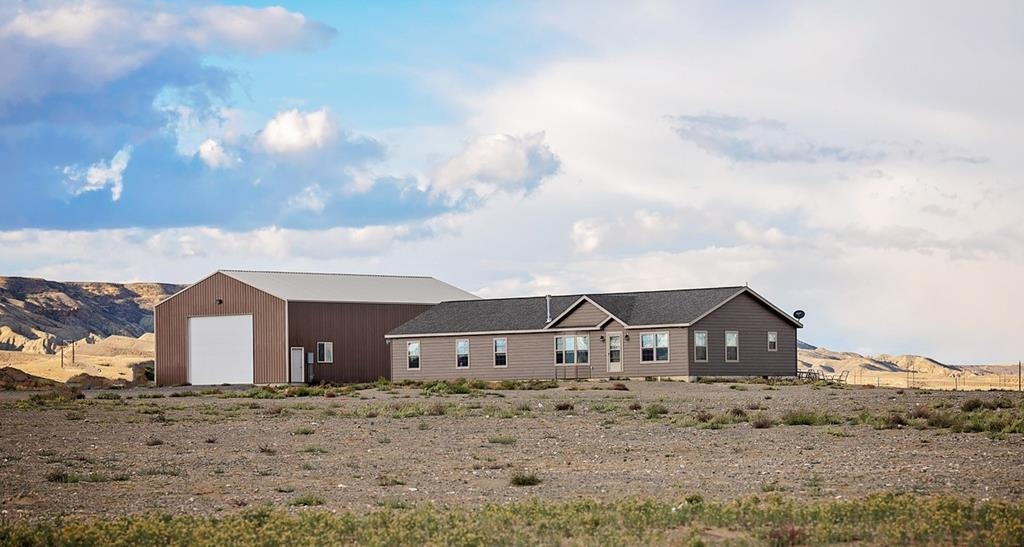 10017403 Powell, WY - Wyoming property for sale