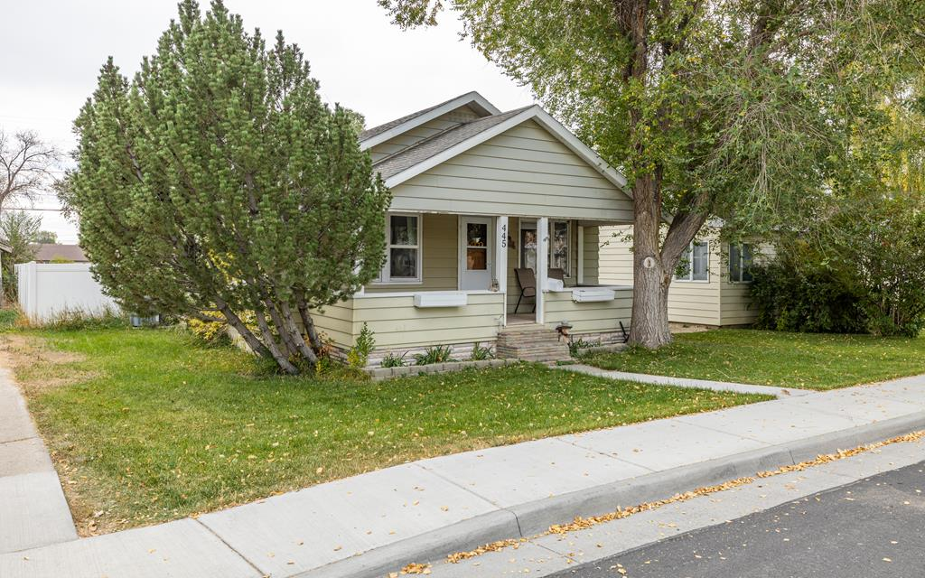 10017432 Powell, WY - Wyoming property for sale
